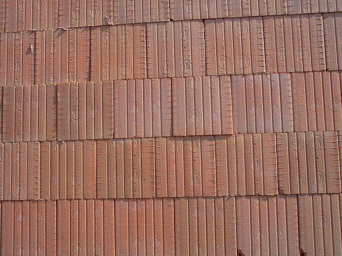 Stena vymurovaná z brúsených tehál je po vizuálnej stránke odlišná od klasicky vymurovanej steny.