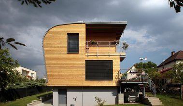 Dom vo vlnách