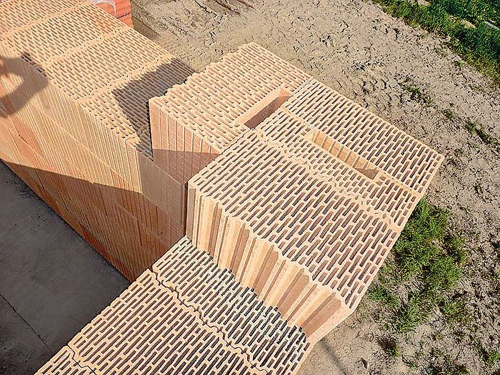 Búrame mýtus: Doplnkové tehly predražujú stavbu