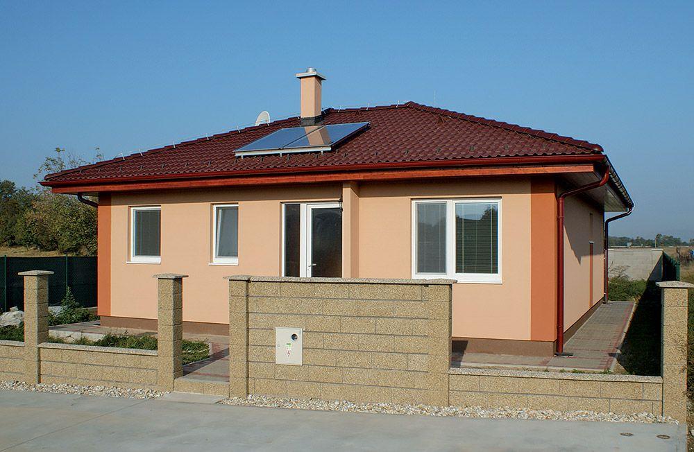 Na výstavbu nízkoenergetického domu môžete v súčasnosti použiť prakticky akýkoľvek stavebný materiál. Ak však okrem nízkoenergetického chcete mať aj dom s trvalou hodnotou, voľte tehlu.