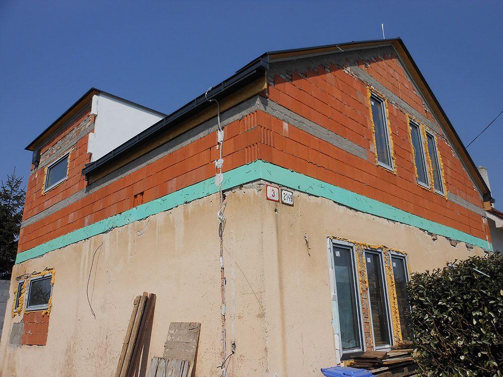 Nadstavba rodinného domu z tehly