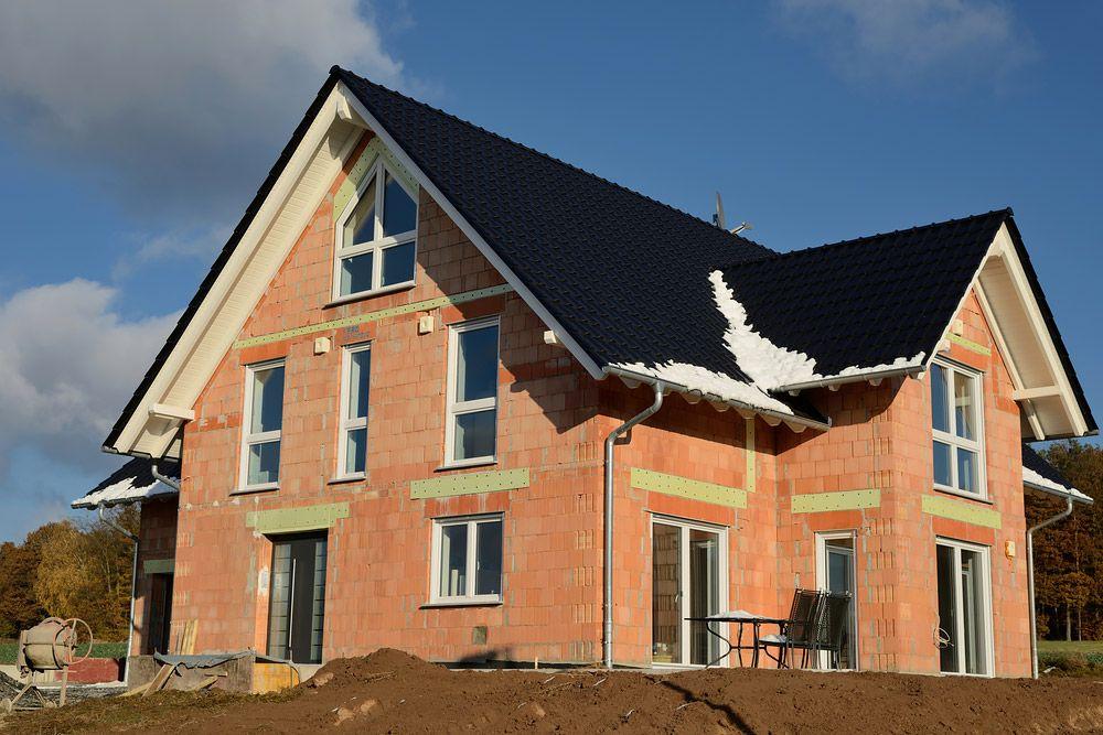 murovaná stavba domu