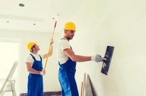 Omietanie a maľovanie tehlovej steny