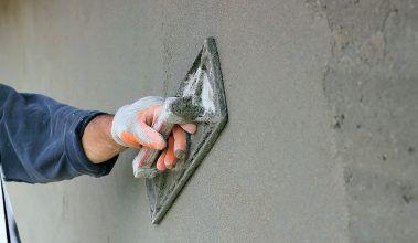 Omietanie tehlovej steny
