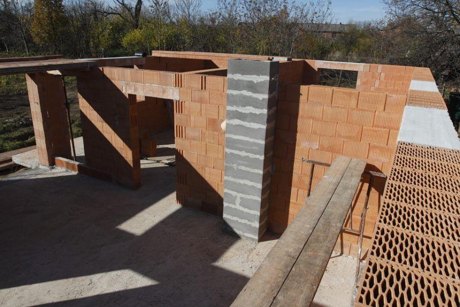 Keramické stropy – časť 1. Príprava a ukladanie nosníkov