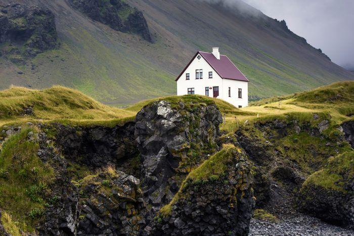 Rodinný dom na skale