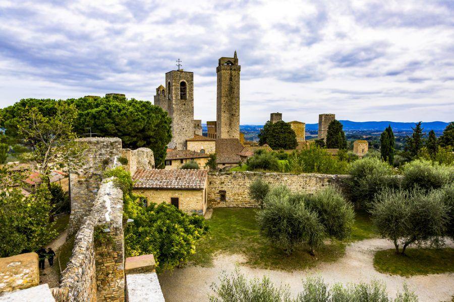 San Gimignano, Talinaske mestečko v znamení tehly a kameňa