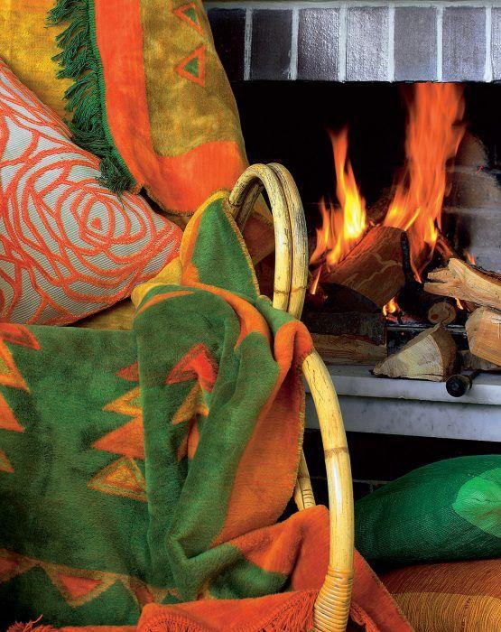 Nezameniteľný zážitok z pohľadu na rozhorený oheň v ohnisku kozuba