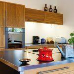 Jedáleň, kuchyňa a obývačka sa už v návrhu spojili do uceleného interiéru.