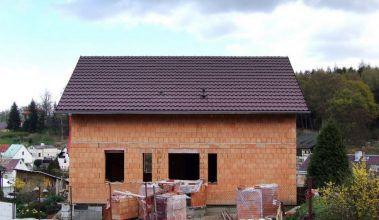 Tehlový dom svojpomocne – príbeh stavby