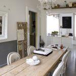 Kedysi salón, dnes obývačka. V dome Chantal a Oliviera pristane tejto miestnosti skôr starosvetský názov.