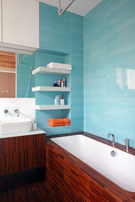 V kúpeľni bol prioritou komfort, keďže vznikla za čisto súčasných podmienok. Nechýbajú v nej ani zabudované reproduktory na počúvanie hudby vo vani.