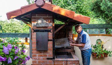 Kozub, gril, pec a udiareň v jednom – návod na stavbu