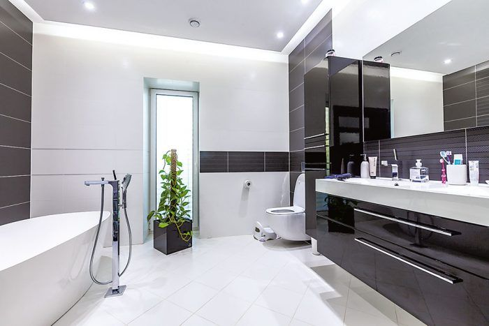 V priestrannej kúpeľni na prvý pohľad zaujme oválna vaňa.