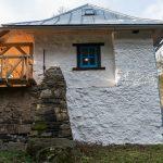 mlyn zrekonštruovaný na bývanie na samote pri Banskej Štiavnici
