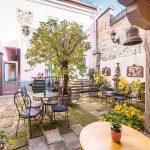 Nádvorie historického domu v Banskej štiavnici