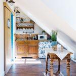 Kuchyňa v podkroví historického domu