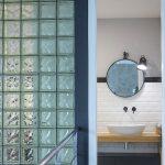 sklenená stena v kúpelni
