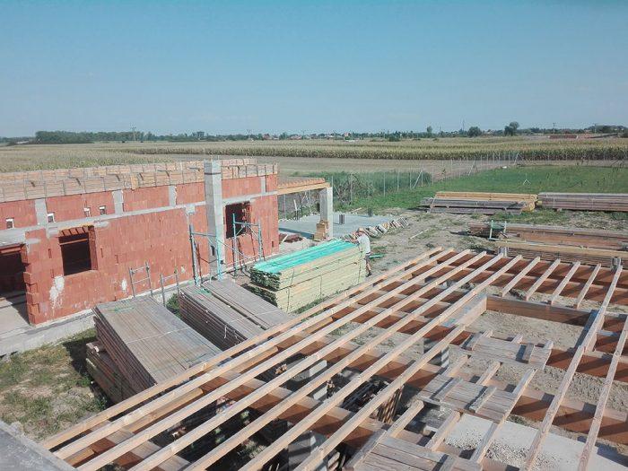 pohľad na stavbu