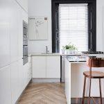 Pri návrhu kuchyne bolo rozhodujúce umiestnenie sofistikovaného sporáka a najmodernejšej chladničky.