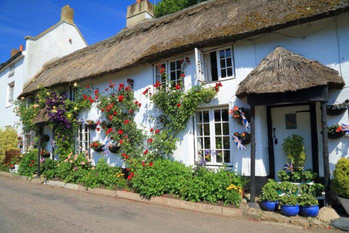 Pri výlete do anglického Východného Devonu, do mestečka Branscombe by ste pokojne mohli naraziť aj na túto krásku.