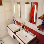 kúpelňa červenobiela