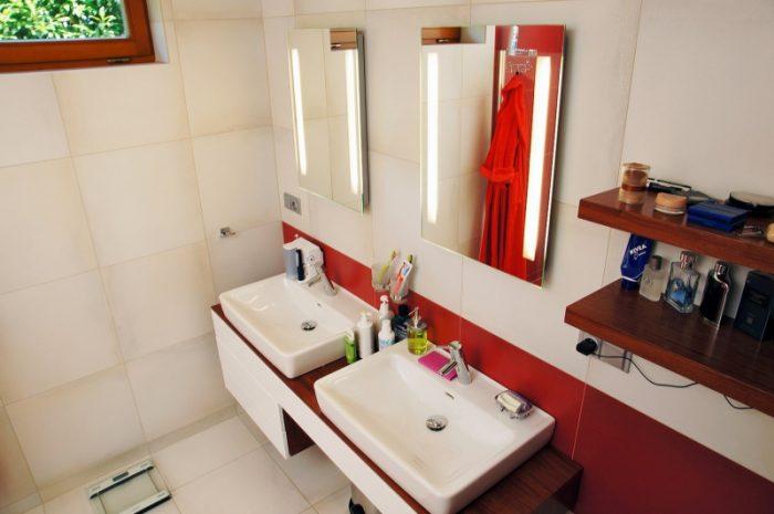 kúpelňa červonobiela