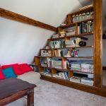 knižnica v podkroví