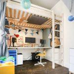 detská izba s posteľou na poschodí