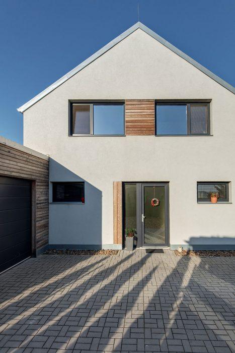 Rodinný dom so štítovou strechou