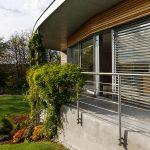 Murovaná stavba v kombinácii s hliníkovými okennými systémami s tepelnoizolačnými trojsklami splnila požiadavku majiteľa na pasívny dom