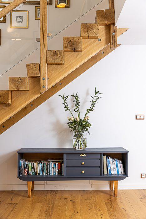 schodisko a nábytok