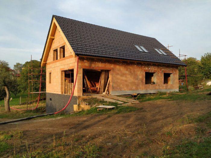 Tehlový dom poskytne zdravé bývanie nielen pre vás a vašu rodinu, ale aj pre ďalšie generácie.